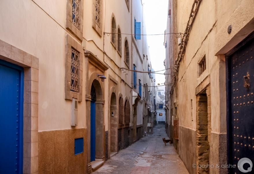 blue door street